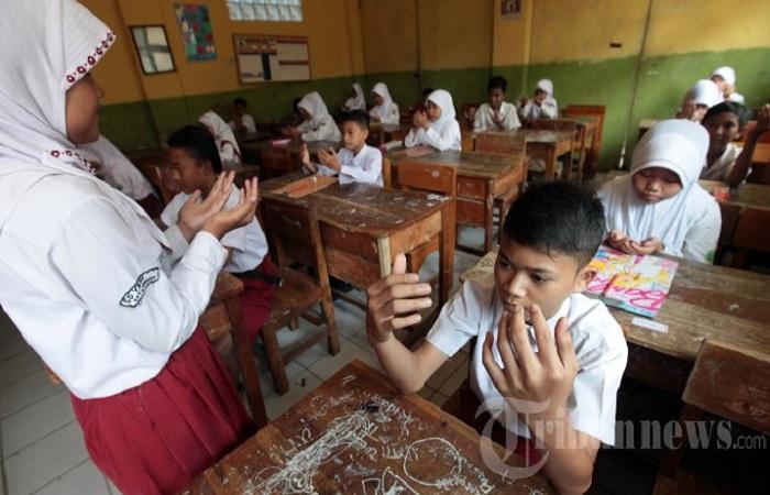 Soal Wacana Larangan Doa di Sekolah, Ini Tanggapan PKS