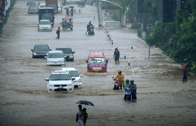 Gagal Tangani Banjir, Ahok Disuruh Pulang Kampung