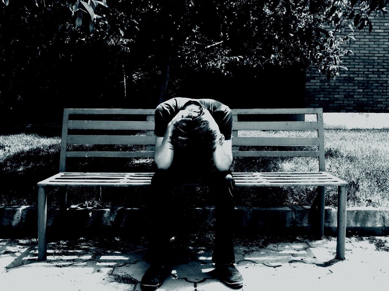 Hasil gambar untuk orang sedih